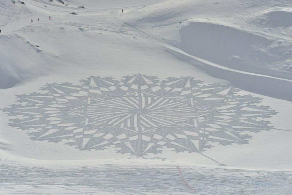 Simon Beck camminare sulla neve