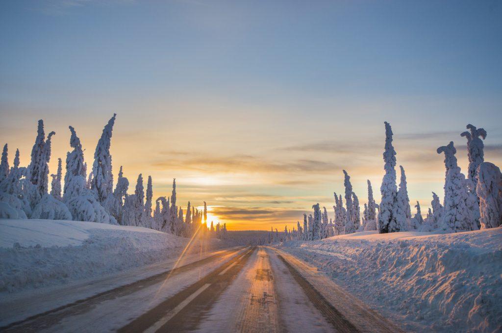 Svezia strada innevata