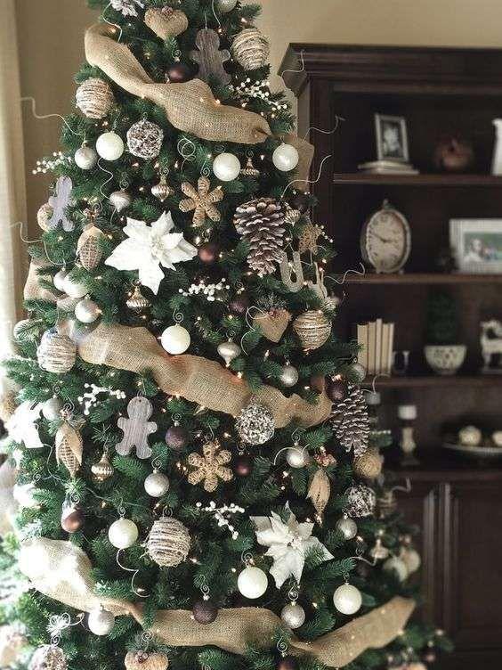 Albero di Natale Stellare