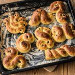 Lusserkatter: la ricetta svedese dei dolci di Santa Lucia