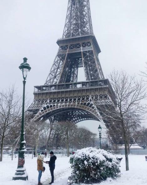 Tour Eiffeil con neve